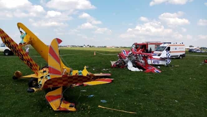 Două avioane de mici dimensiuni s-au ciocnit în zbor, la Suceava. Unul dintre piloți a murit
