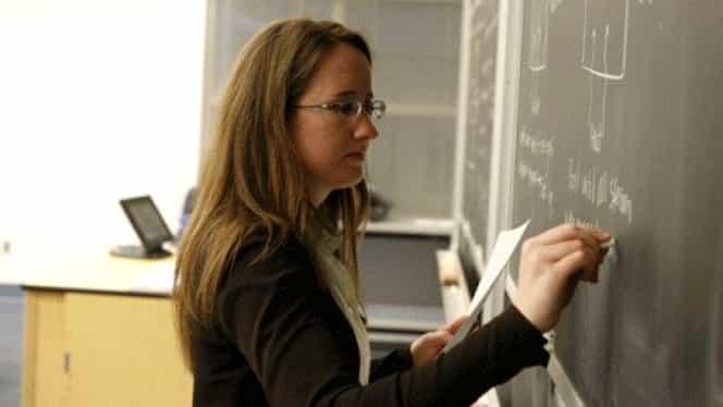 Bani pentru profesorii care se mută la țară: Guvernul vrea să le dea câte 5.000 de euro! Iată care sunt condițiile