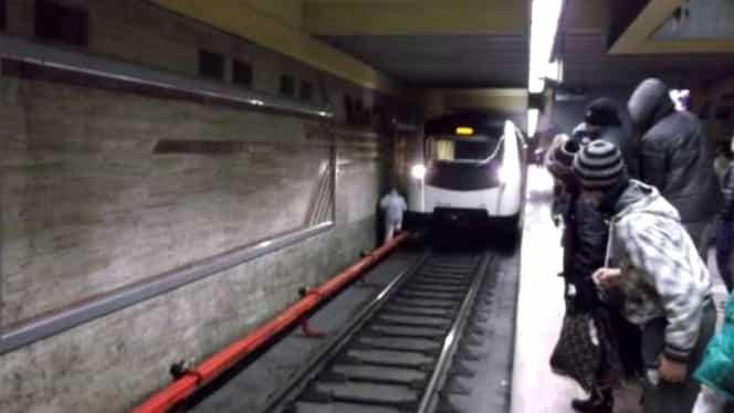 Accident la metrou, la stația Apărătorii Patriei! În ce stare se află victima