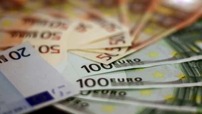 Curs valutar BNR azi, 15 februarie 2019. Euro, dolarul și lira sterlină au scăzut