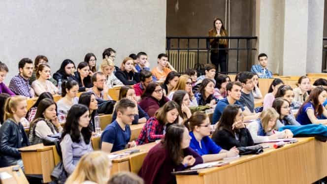 Peste 200 de studenți de la Medicină s-au înscris voluntari! Recrutarea este momentan preventivă