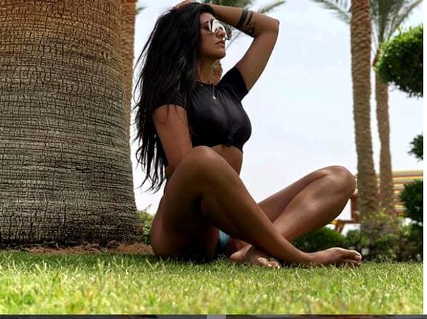 Antonia, fără ruşine! Cum s-a fotografiat cântăreaţa pe plajă