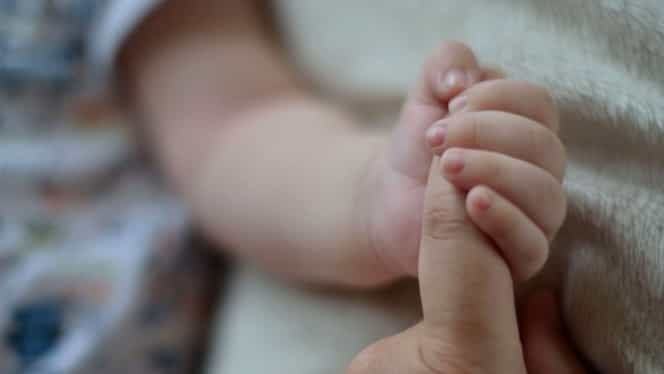 Un bebeluș de 11 luni, ucis de gripă! Nu avea vaccin antigripal