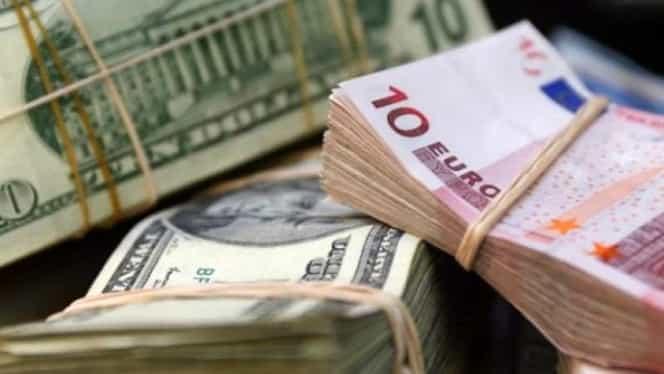 Curs valutar azi, 20 noiembrie 2018. Euro creşte din nou, dolarul scade