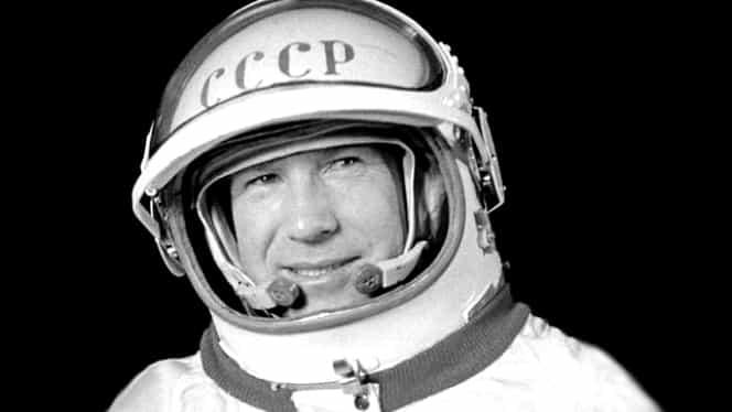 """A murit cosmonautul Alexei Leonov, primul """"pieton spațial"""" și un pionier al zborului în spațiu"""