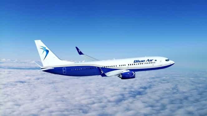 Un avion Blue Air cu 109 pasageri la bord a aterizat de urgenţă pe Aeroportul Mihail Kogălniceanu