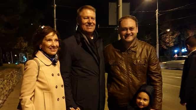 Klaus Iohannis și Carmen Iohannis, surprinși la plimbare în Iași FOTO