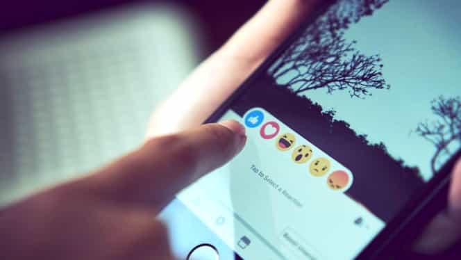 30 de statusuri scurte pe care să le pui pe Facebook sau Whatsapp