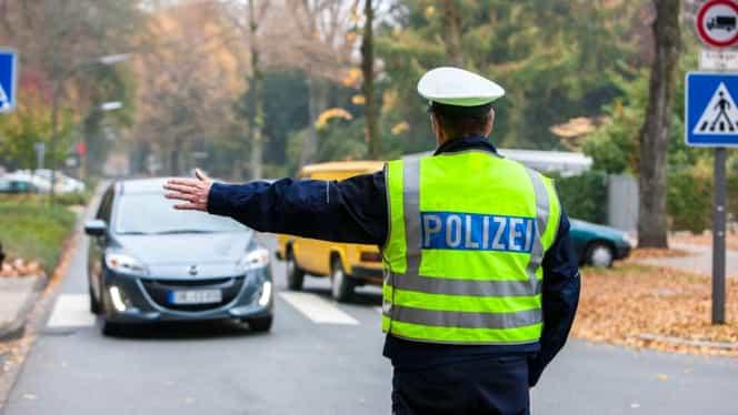 Român din Germania, în stare gravă la spital. Bărbatul a fugit de poliție și s-a aruncat de la etajul 4