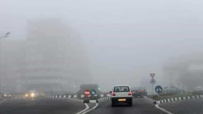 Pleci cu mașina la drum? Alertă de ceață densă! Vezi regiunile afectate