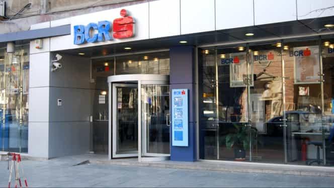 BCR, anunț important pentru toți clienții! Banca oprește sistemul de carduri la noapte