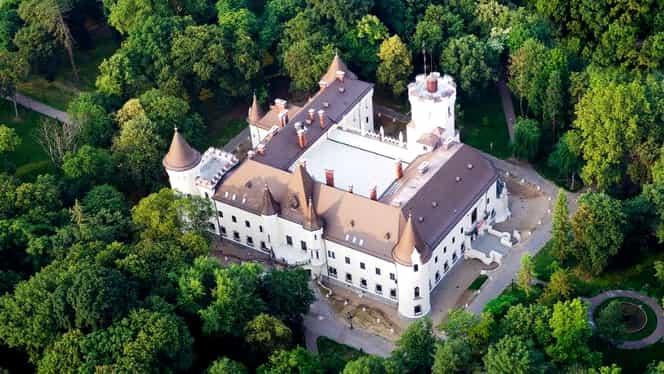 Castelul Karolyi a atras atenția producătorilor de la Hollywood! Turismul înflorește în zonă
