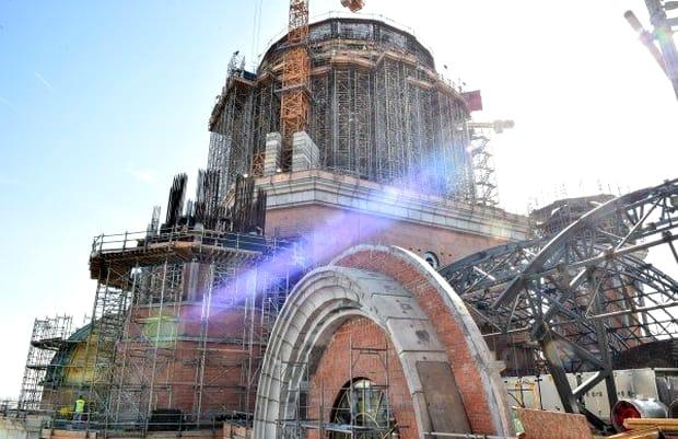 Primele imagini din interiorul Catedralei Mântuirii Neamului au apărut pe internet. Fotografie din exteriorul Catedralei Naţionale