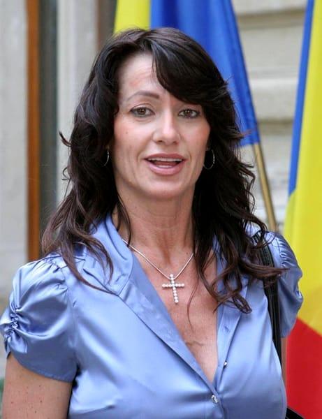 Nadia Comăneci e de nerecunoscut. Gimnasta, criticată dur de stilişti