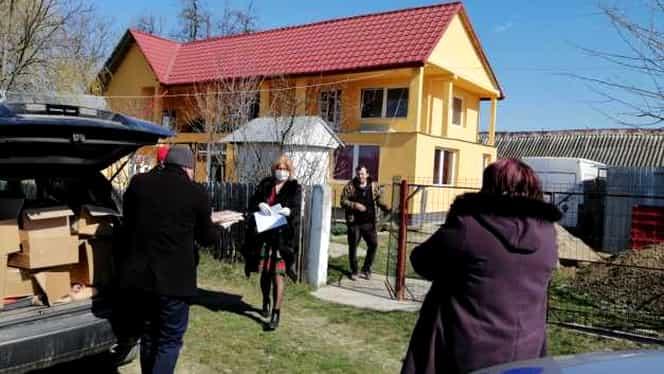 """Într-o comună din Botoșani, oamenii respectă cu sfințenie măsurile de distanțare socială: """"Nu ne jucăm cu viața"""""""