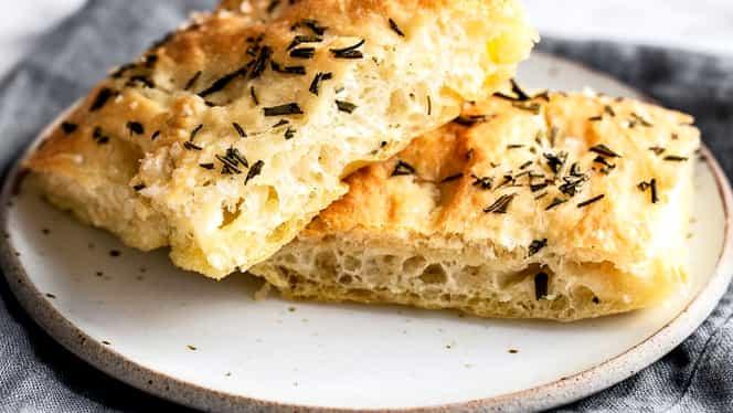 """Rețeta Zilei de 8 august. Cum să prepari pâine focaccia ca un """"italiano vero"""""""