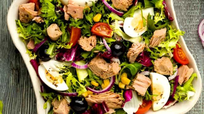 Un celebru nutriţionist dă peste cap toate teoriile! Salata ne îngraşă!