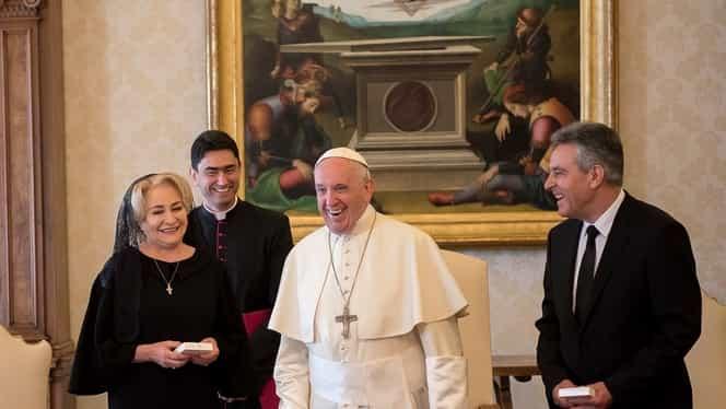 Premierul Viorica Dăncilă s-a întâlnit cu Papa de la Roma! L-a asigurat că nu-și va da demisia!