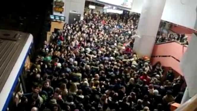 Metroul bucureşten ar putea deveni un focar de răspândire a coronavirusului. Metrorex cere companiilor din Nordul Capitalei să ia măsuri