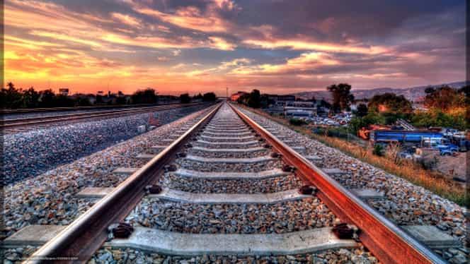 Scene de groază pe calea ferată din judeţul Iaşi! Un tânăr a fost călcat de tren chiar pe cap!