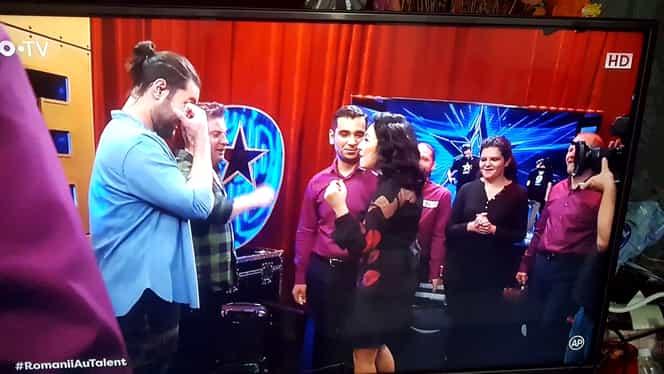 Andra a crezut că nu vede bine! Cine a urcat pe scena Românii au Talent: El e!