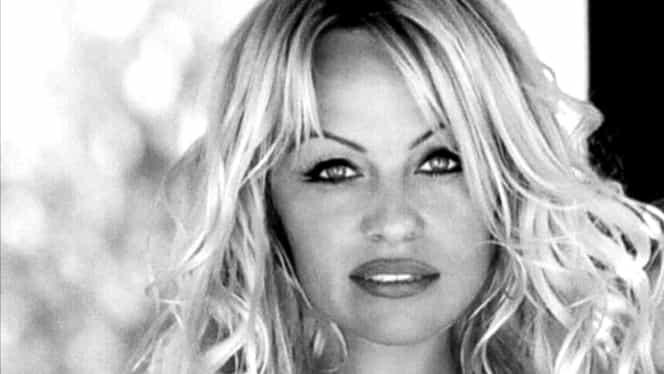 Pamela Anderson, la a cincea căsătorie. Actrița americană s-a cununat cu producătorul Jon Peters