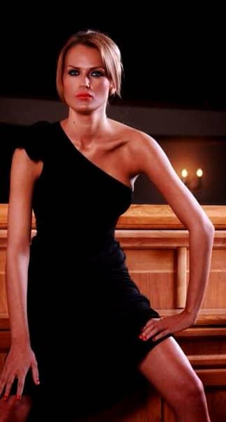 GALERIE FOTO / Mamă, model şi femeie de afaceri! Cît de bine arată fiica unui fost preşedinte din Liga 1