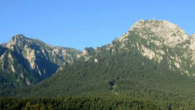 Un bucureștean a fotografiat Munții Bucegi chiar din balconul său! Instantaneul care i-a lăsat cu gura căscată pe internauți