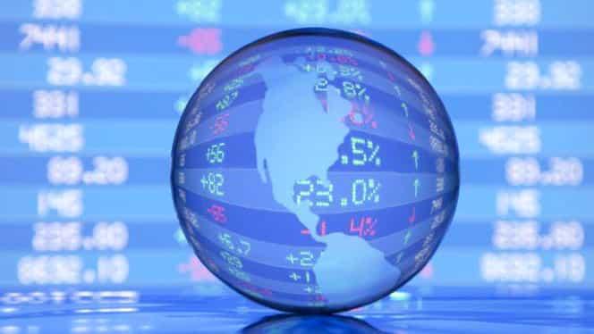 Previziuni 2016. Economia globală va trăi periculos. Tensiunile ar putea provoca o nouă criză financiară majoră