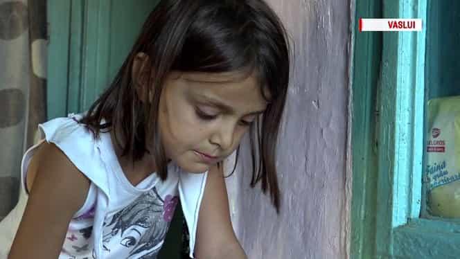 """Roxana, eleva din Vaslui care îndură greutăți zilnic: """"Ceilalți copii au pachete. Eu, nu. Mi-ar plăcea să mănânc biscuiți"""""""