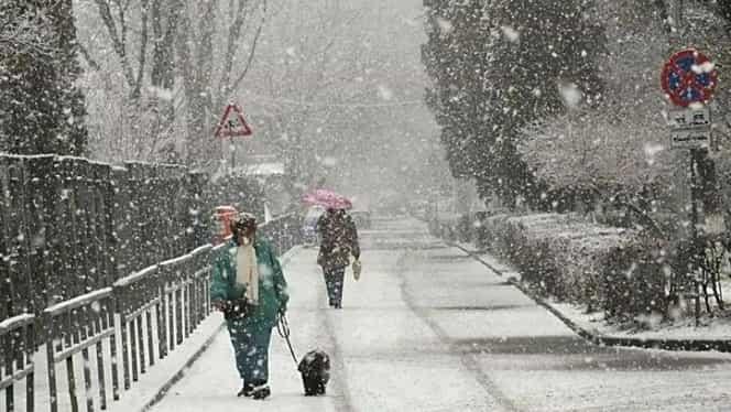 Vremea schimbă din nou foaia. Meteorologii anunță ploi și ninsori în următoarele zile