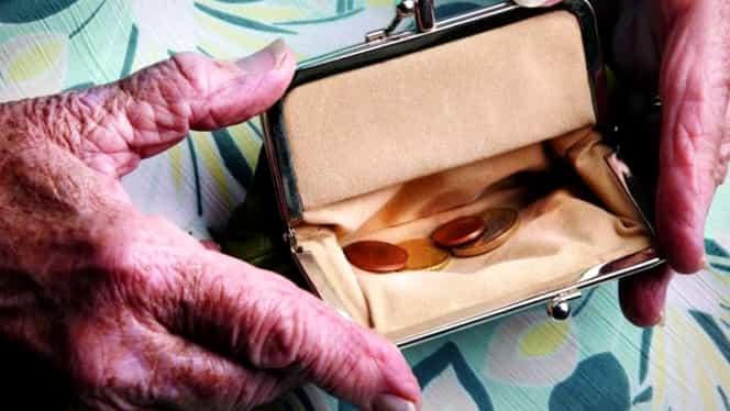Pensiile vor fi afectate de OUG 114. O parte din români sunt revoltați. Pilonul II de pensii este cel mai afectat!
