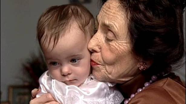 Bătrânii vor fi închiși în casă în Anglia
