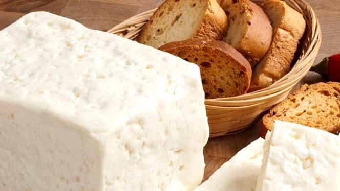 Guvernul a emis o alertă alimentară: mai multe tipuri de brânzeturi neconforme. Amenzi uriașe