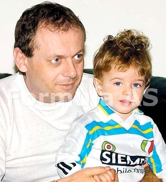 Ilie Balaci a murit, duminică, după ce a suferit un infarct, la vârsta de 62 de ani. Marele fotbalist era un familist convins, își adora soția, își iubea nespus fetele și își diviniza nepoții. Din căsnicia cu Eugen Trică, Lorena Balaci i-a dăruit tatălui său doi nepoți, pe Hristu și Atanas, de 18 și respectiv 13 ani. Liana Balaci s-a căsătorit cu Adrian Ungur și au împreună o fetiță, pe Eveline, care acum este în vârstă de 3 ani.