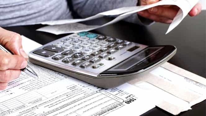 Deficitul bugetar la opt luni 2018 e cel mai ridicat din ultimii opt ani
