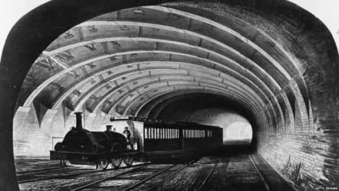 4 noiembrie, semnificaţii istorice. Se inaugurează primul metrou din lume!