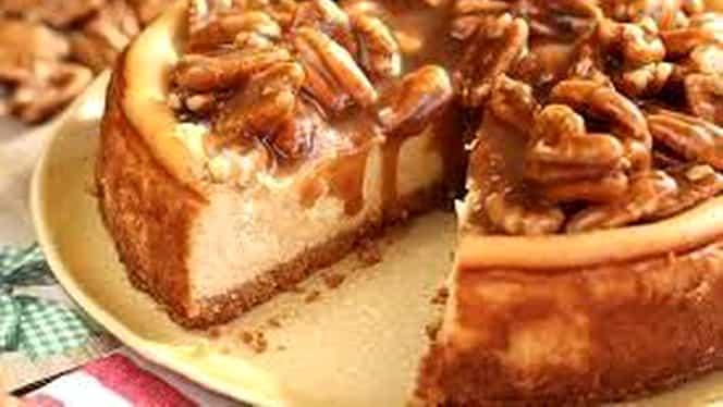 Rețeta zilei de 23 noiembrie. Cheescake cu caramel, un desert pentru toate gusturile