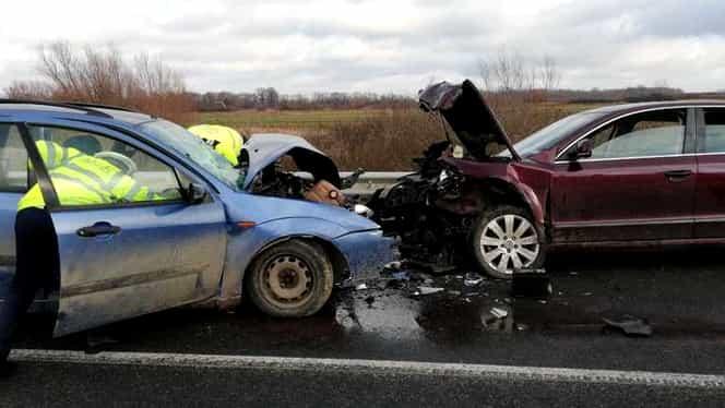 Accident grav în Timiș. O persoană a murit și alte 9 au fost rănite. 4 dintre victime sunt copii