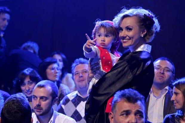 """""""Bebeluşa"""" Oana Ioniţă, schimbare radicală de look! Foto&Video"""