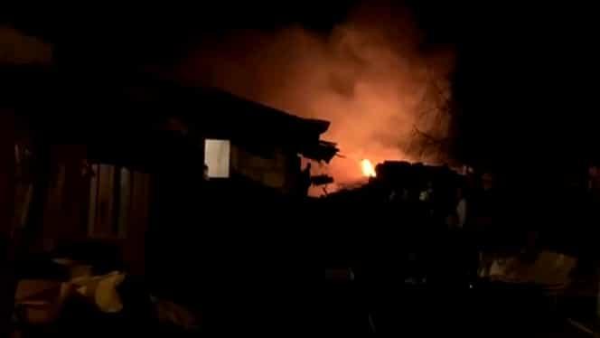 Incendiu la un adăpost de animale de lângă Pitești! Șapte cai au pierit în flăcări