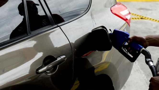 Vești excelente pentru șoferi. Stațiile unde benzina se vinde sub 5 lei/litru