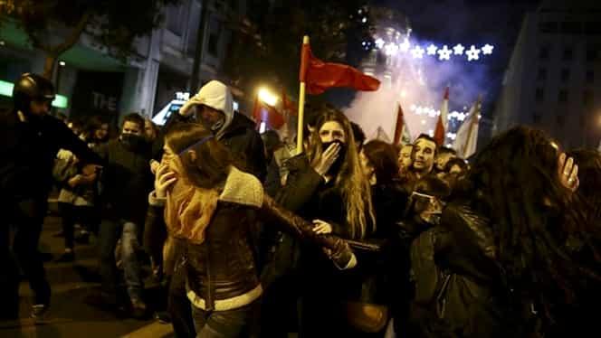 Proteste violente la Atena şi Salonic în timpul vizitei lui Barack Obama. Manifestanţii îl denunţă şi pe Donald Trump