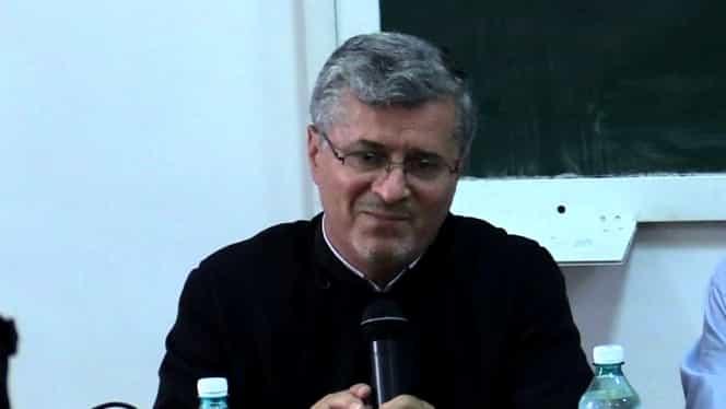 Preotul Vasile Răducă a demisionat din funcție după ce a scuzat violul. Era prodecan la Facultatea de Teologie Justinian Patriarhul
