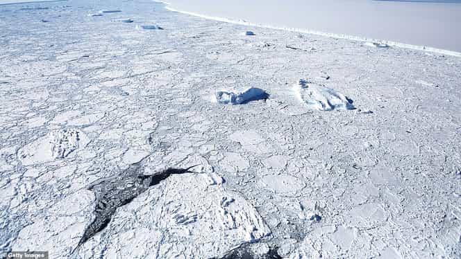 Cel mai mare aisberg din toate timpurile ajunge în oceanul deschis. Ce repercusiuni ar avea dacă acesta nu se va rupe