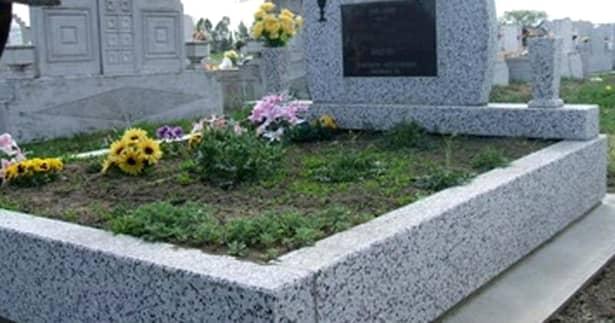 Povestea unei fete de 20 de ani care a înviat la înmormântarea sa a devenit virală.