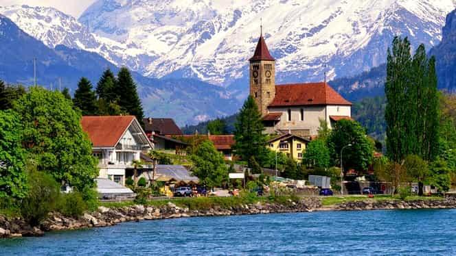Elveţia caută familii întregi pentru popularea unui sat! Oferă 60 de mii de euro!