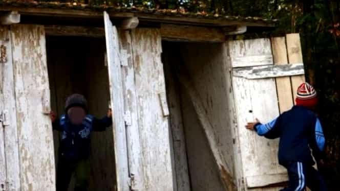 Cum rezolvă Guvernul problema școlilor cu toaleta în curte. Anunțul lui Eugen Teodorovici
