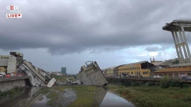 Doi români au murit în urma prăbușirii podului rutier din apropiere de Genova, Italia