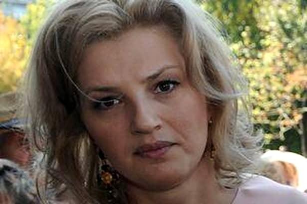 Cum arată astăzi Ioana Băsescu! La 40 de ani, mai zveltă decât la 20!